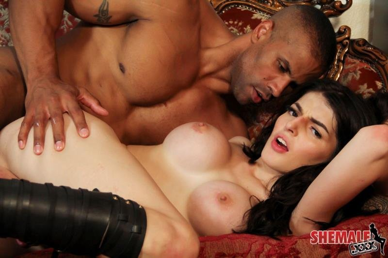 [Transsexual / Anal] - Vixxen Goddess - Vixxen Goddess Gets Fucked Hard! (2016 / Shemale / HD 720p)