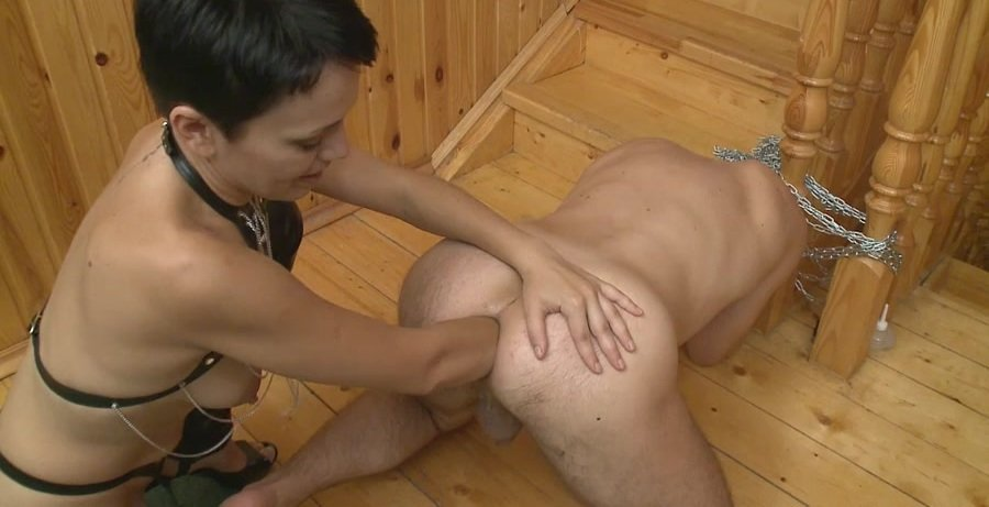 Dominafist handballed by two 9