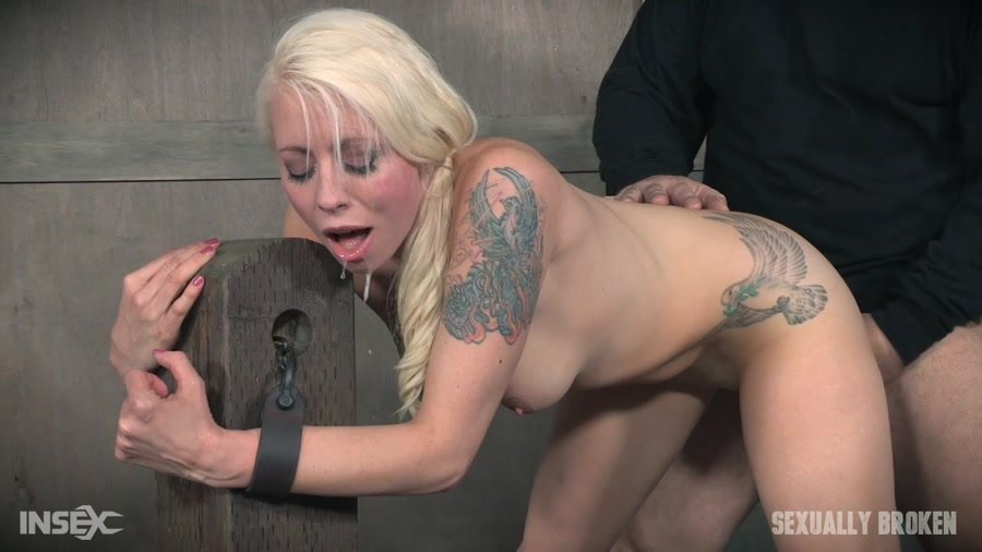 [BDSM / Rough Sex] - Lorelei Lee - Lorelei Lee is bound to the fucking post! Brutal face fucking and deep uterus banging sex! (2017 / Sexually Broken / HD 720p)