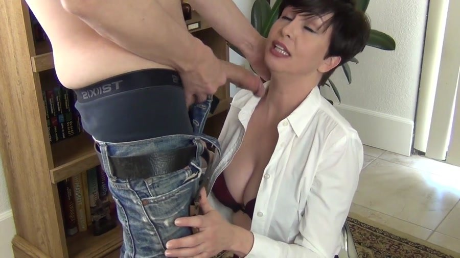 Facefucking the anger management counselor 8