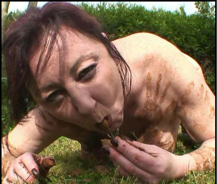Chienne Mary - Outdoor Toilet Slut – French Scat Slut (HD 720p/694 MB)