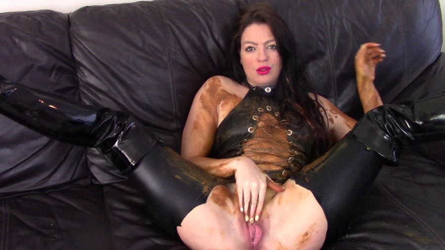 Evamarie88 - Messy Shit Smear On The Leather Couch (FullHD 1080p/534 MB)