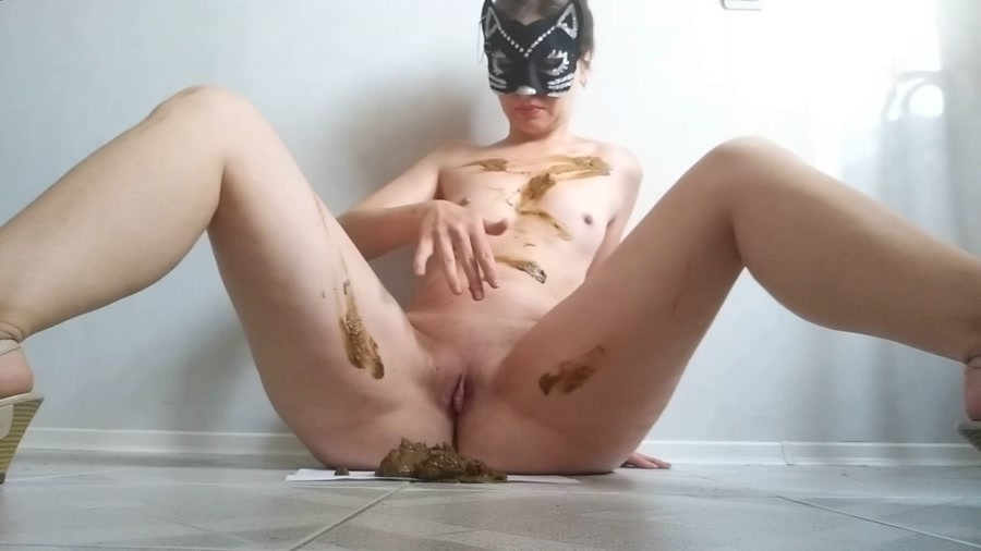 nastygirl - Pooping smearing sitting in shit and striptease (FullHD 1080p/1.22 GB)