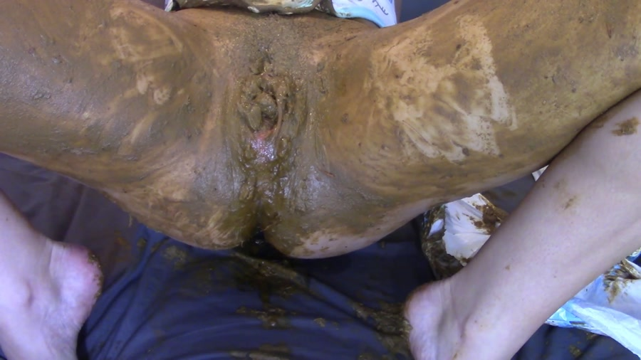 EvaMarie88 - Messing Diaper For Daddy (FullHD 1080p/1.63 GB)
