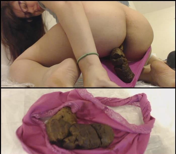 LindzyPoopgirl - Giant Turd in Pink Panties (HD 720p/186 MB)