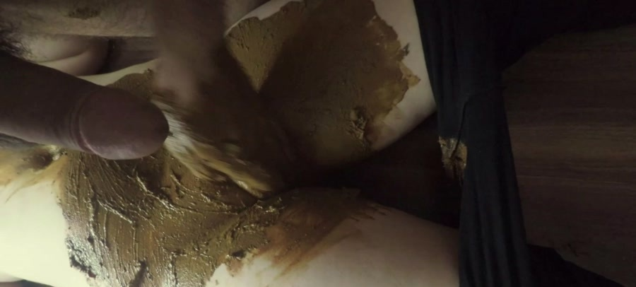 KatiePoo - Black leggings and smearing on pussy part 2 (FullHD 1080p/731 MB)