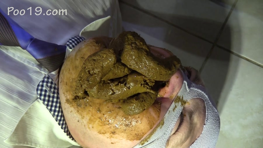 MilanaSmelly - Accelerated eating of shit (FullHD 1080p/1.04 GB)